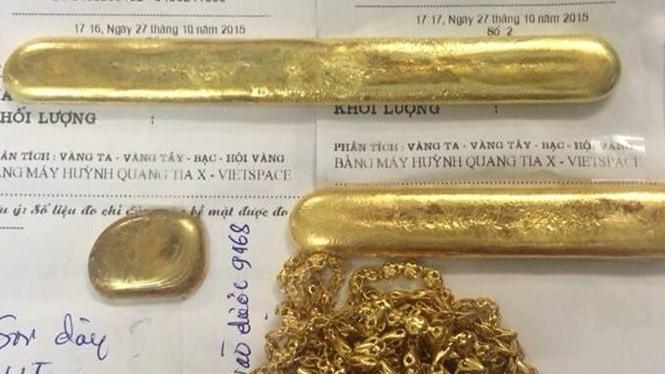 Số vàng 'rởm' cơ quan công an thu giữ - Ảnh công an cung cấp