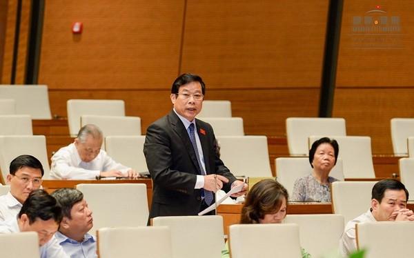 Bộ trưởng Nguyễn Bắc Son phát biểu tại Nghị trường sáng 17/11