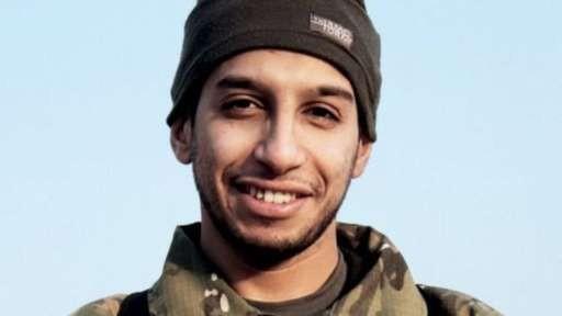 Hồi tháng 2, trang tuyên truyền trực tuyến của IS có tên Dabiq xác định người trong ảnh này là Abaaoud (không rõ ngày chụp bức ảnh). Ảnh: Reuters