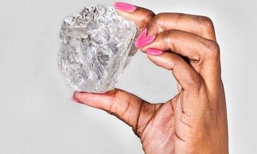 """Viên kim cương """"khủng"""" nặng 1.111 carat mới được tìm thấy tại Botswana."""