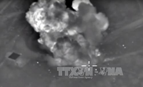 Không quân Nga không kích trúng mục tiêu IS tại tỉnh Idlib, Syria. Ảnh: AFP/TTXVN