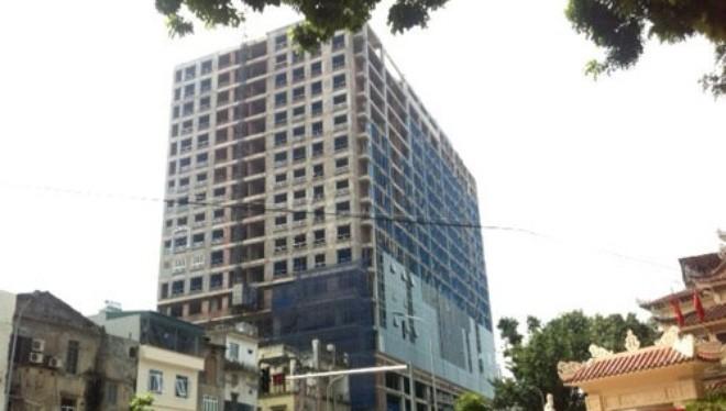 Việc xây dựng sai phép tại dự án cao ốc 8B Lê Trực đã gây bức xúc trong dư luận Thủ đô và cả nước.