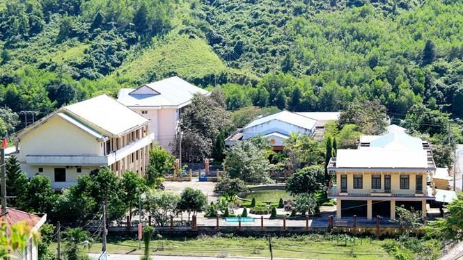 Trung tâm hành chính huyện Nam Giang - Ảnh: Hoàng Sơn