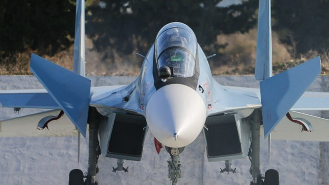 Su-30SM của Nga tại căn cứ ở Latakia, Syria - Ảnh: Bộ Quốc phòng Nga