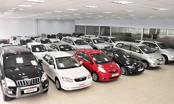 Người Việt chi bao nhiêu tiền nhập xe hơi mỗi tháng?