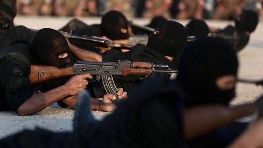 Syria tố Thổ Nhĩ Kỳ hỗ trợ vũ khí cho phiến quân nước này. Ảnh: Reuters