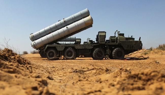 """Tên lửa S-300 trực chiến cùng S-400 khóa chặt không phận Syria, Iraq không """"yêu"""" Mỹ, tướng công an làm chủ tịch Hà Nội"""