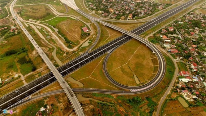 Cao tốc Hà Nội - Hải Phòng sẽ được bán cho nhà đầu tư Ấn Độ. Ảnh: Mạnh Thắng.