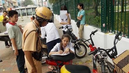 Từ hôm nay (7/12), xe máy điện phải đăng ký biển số