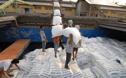 Đối với hoạt động mua lúa gạo tạm trữ, theo Thanh tra Chính phủ, Vinafood 2 có sai phạm chưa mua trực tiếp của người nông dân, không tổ chức liên kết được thành hệ thống trong mua bán gạo để đảm bảo người nông dân có lãi tối thiểu 30%...