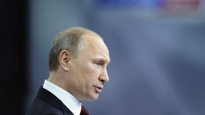 Tổng thống Nga Vladimir Putin cho rằng muốn chống tham nhũng, người thực hiện trước hết phải để bản thân trong sạch - Ảnh: Reuters