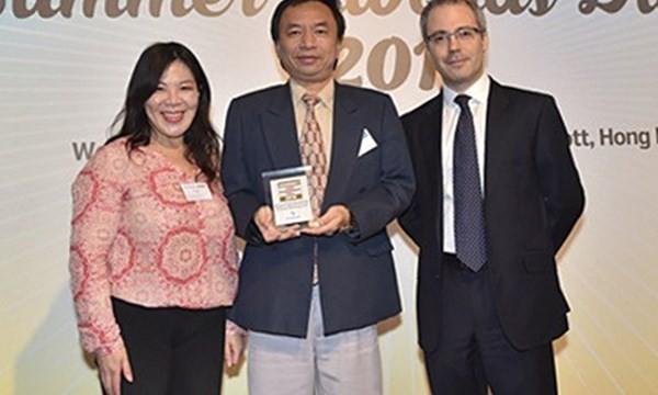 Ông Trần Tấn Lộc (giữa) hiện là quyền tổng giám đốc Eximbank - Ảnh: TL