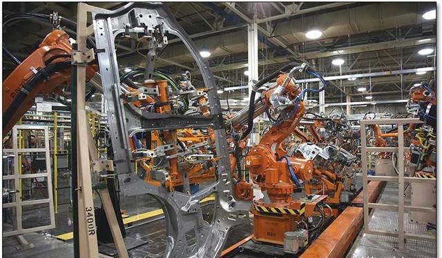 Robot có thể cướp đi 15 triệu việc làm tại Anh trong tương lai