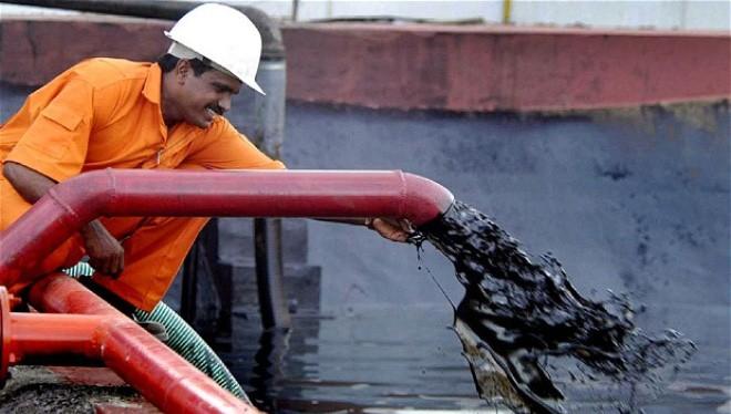 Kịch bản 2014 lặp lại, giá dầu sẽ còn 25 USD/thùng?