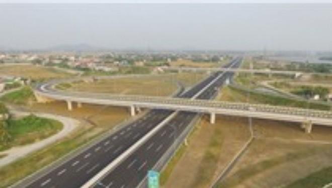 Đường cao tốc Hà Nội- Hải Phòng vắng bóng xe, đặc biệt xe container vì chủ xe sợ phí cao