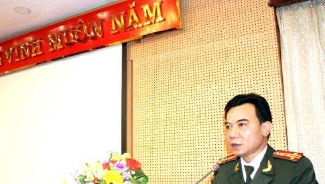 Phó Giám đốc CATP - Đại tá Nguyễn Anh Tuấn phát biểu nhận nhiệm vụ.