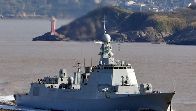 Tàu chiến Type 052D của Trung Quốc được trang bị các loại tên lửa hiện đại.