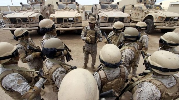 Binh sĩ Saudi Arabia tại Yemen - Ảnh: Reuters