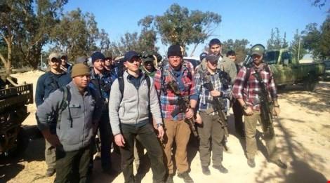 Khoảng 20 lính biệt kích Mỹ có mặt tại căn cứ Wattiya, Lybia hôm 14-12 (Nguồn: RT)