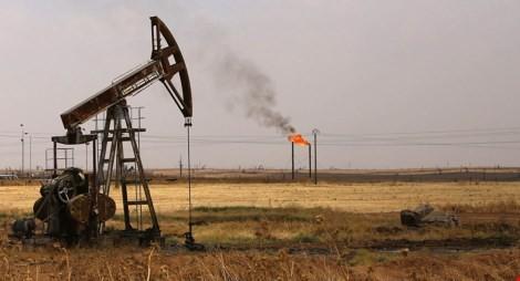 Giếng bơm dầu ở mỏ dầu Rmeilane ở Syria. (Ảnh: AFP)