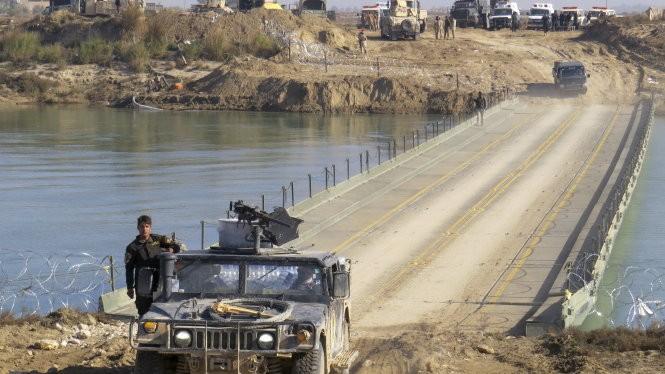 Hôm 22-12, lực lượng quân chính phủ đã dần tiến vào Ramadi trong một nỗ lực cuối cùng nhằm giành lại được thành phố rơi vào tay IS hồi tháng 5 vừa qua.