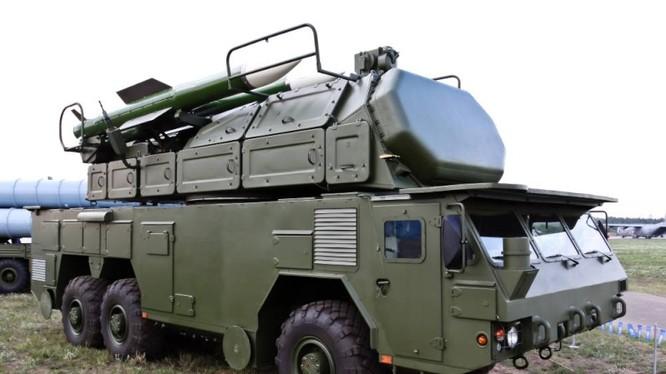 Sốc: Clip Nga lộ phiên bản tên lửa phòng không Tor-M2U chưa từng có, vừa di chuyển vừa bắn