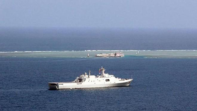 Tàu Trung Quốc tham gia một cuộc tập trận trên Biển Đông.