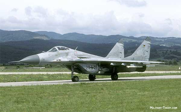 Clip MiG-29 cất cánh từ tàu sân bay mô phỏng