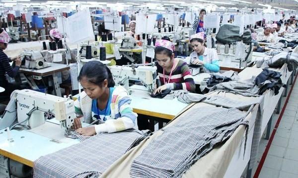 Campuchia: Gần 150 nhà máy dệt may và da giày bị đóng cửa