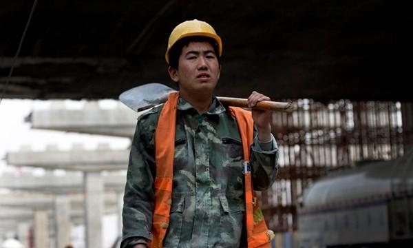 Vực thẳm tài chính chờ đón kinh tế Trung Quốc trong năm 2016