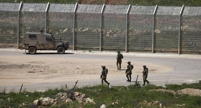 Quân đội Israel trong khu vực chiếm đóng ở cao nguyên Golan - Ảnh: AFP