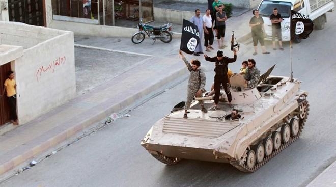 Nhóm khủng bố IS âm mưu giành quyền kiểm soát ngành dầu mỏ tại Libya.