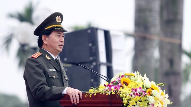 Bộ trưởng Công an, Đại tướng Trần Đại Quang phát biểu chỉ đạo và giao nhiệm vụ tại lễ xuất quân.