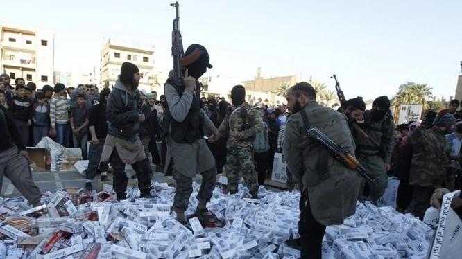 Mỹ đang phát động các cuộc không kích nhằm vào các mục tiêu tài chính của IS. Ảnh: Getty