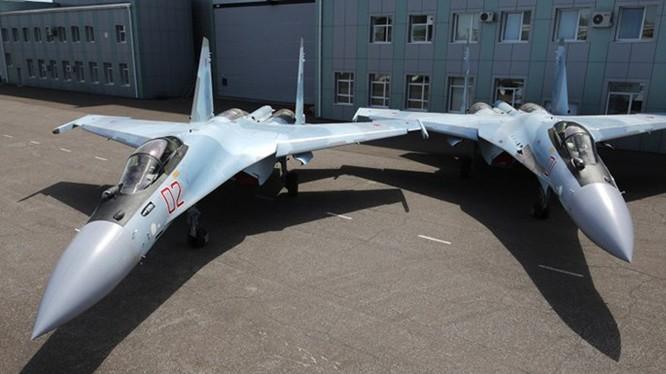 Su-35 tại Nhà máy của Sukhoi