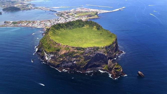 Đảo Jeju của Hàn Quốc. Ảnh: Insideevs.com
