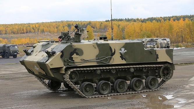 """Clip xe bọc thép """"vỏ ốc"""" của lính đổ bộ Nga"""