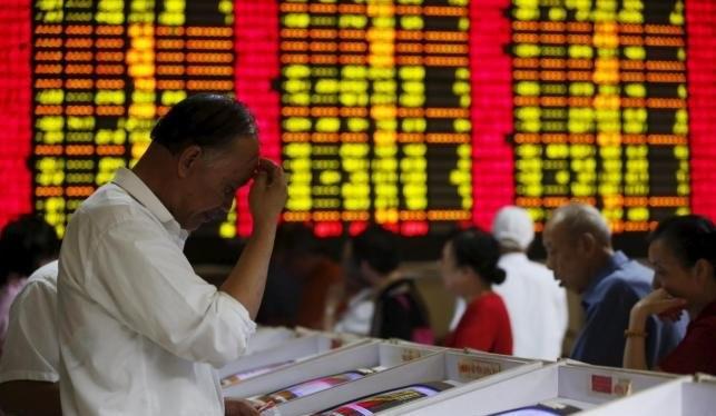 Các nhà đầu tư lo sợ trước thị trường đầy biến động của Trung Quốc - Ảnh: Reuters