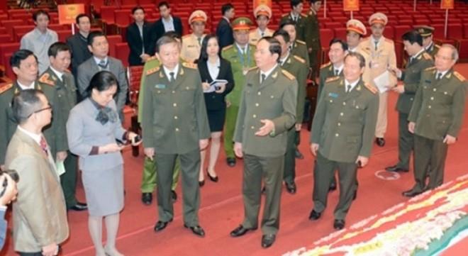 Bộ trưởng Trần Đại Quang kiểm tra công tác bảo vệ an ninh Đại hội Đảng.