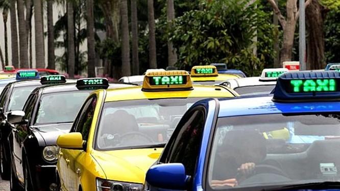 Từ 31/1, Hà Nội sẽ khai tử các hãng taxi nhỏ dưới 50 đầu xe