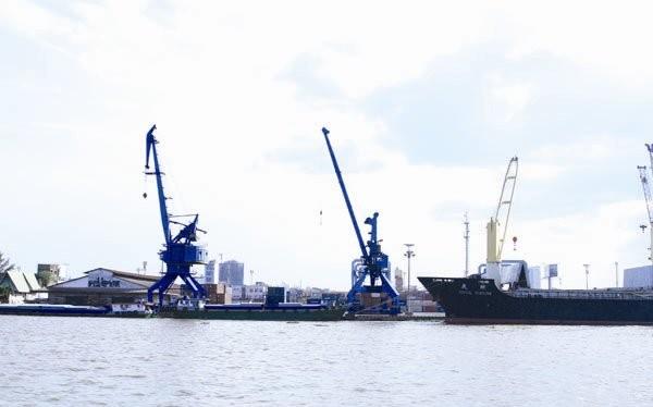 Theo quyết định mới, Vinalines chỉ được phép giữ lại 20% vốn tại cảng Sài Gòn, thay vì 51-65% như trước đây. Ảnh: Quang Đức