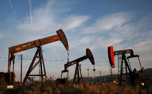 Saudi Arabia đề nghị các nước sản xuất dầu giảm 5% sản lượng