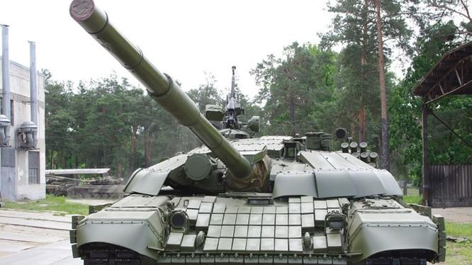 Clip lính Ukraina dùng nòng pháo xe tăng làm... gậy 'tự sướng'