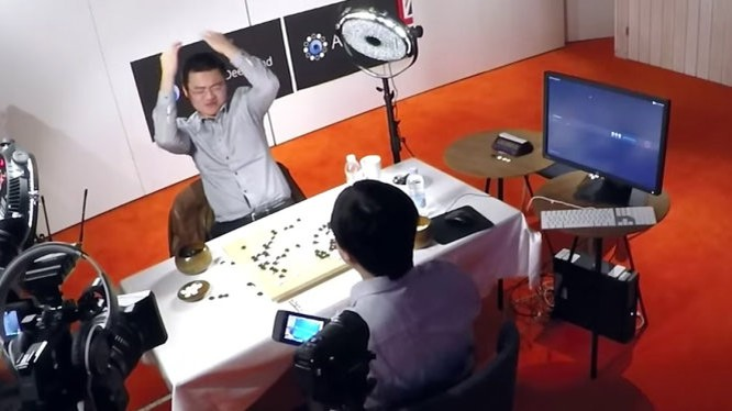 Fan Hui, cờ thủ đỉnh cao của châu Âu, thua AlphaGo 0-5