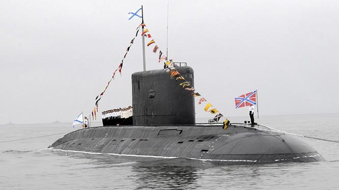 NATO gọi tàu ngầm hiện đại lớp Kilo của Nga là 'hố đen'