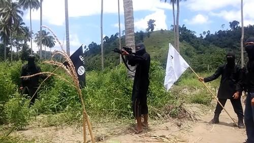 Trại huấn luyện của IS ở Indonesia. Ảnh do chính nhóm khủng bố tung lên Internet.