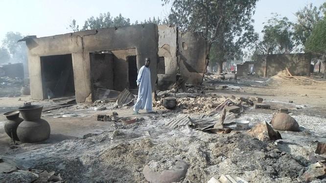 Video: Khủng khiếp tổ chức khủng bố Boko Haram thiêu sống cả trẻ em