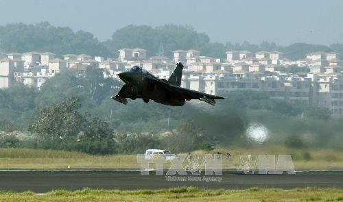Máy bay chiến đấu hạng nhẹ tự chế đầu tiên của Ấn Độ Tejas. Ảnh: THX/TTXVN