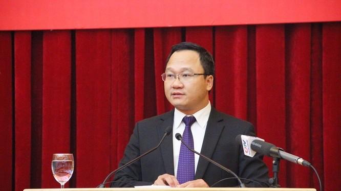 Ông Khuất Việt Hùng, Phó Chủ tịch chuyên trách Ủy ban An toàn Giao thông Quốc gia (Ảnh: QTV)