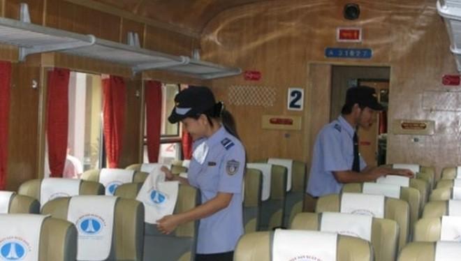 Công ty CP Vận tải đường sắt Hà Nội mới đây đã đưa vào các tàu SE3/4 với toa tàu mới, nội thất sạch sẽ, lịch sự nhưng giá vé không đổi so với trước.